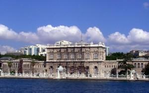 Дворецът Долмабахче