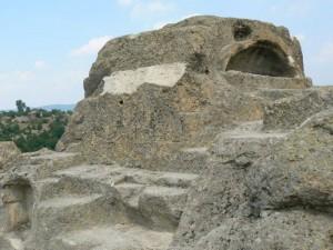 Тракийската гробница край село Татул