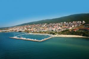 marina-dinevi-saint-vlas-resort