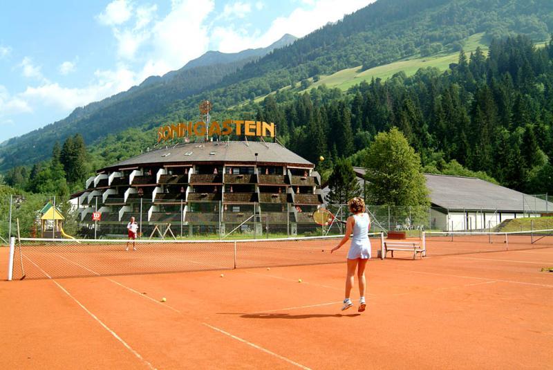 тенис хотел